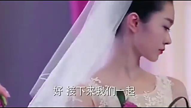 婚礼上几个新娘一起出现,所有宾客喧哗大声!