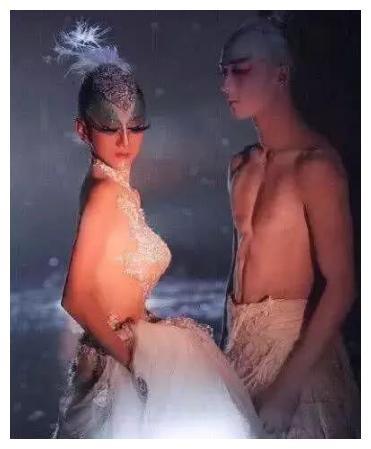 被下死亡通牒的樊丽君:为美貌30年禁晚餐,31次放化疗也要化妆