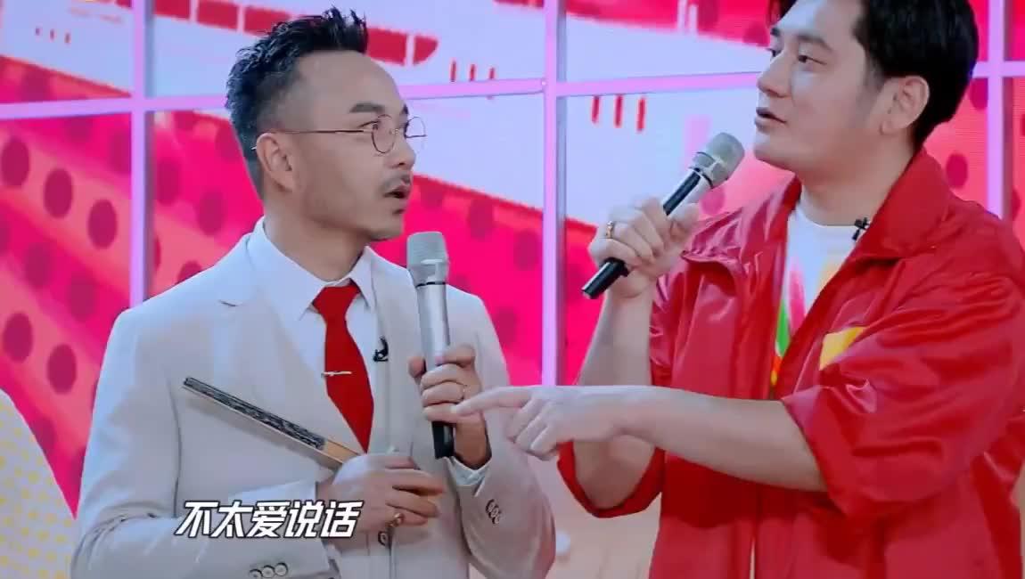 赵丽颖王一博透露《有翡》拍摄趣事 纯靠脑电波交流?