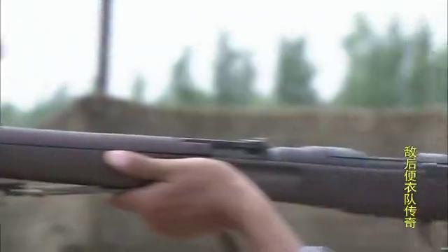 八路神枪手炫耀自己的枪法,真厉害,不愧是八路正规军