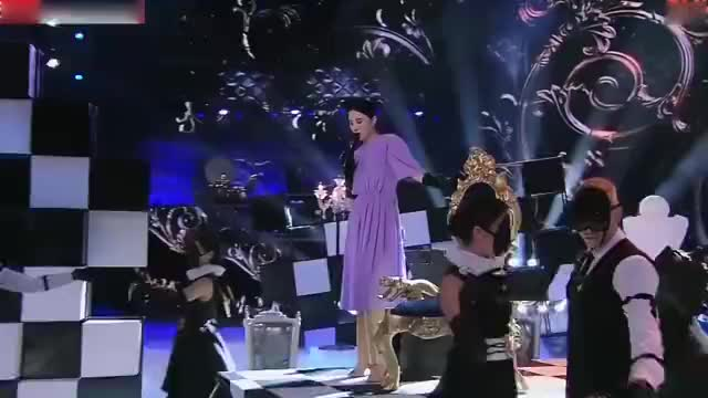 跨界歌王:宋佳翻唱《傲慢的上校》,意外好听,黄子佼直呼优秀