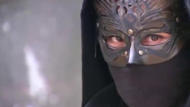 新白发魔女传:蒙面人揭开了面具,哪知却是她,卓一航崩溃了