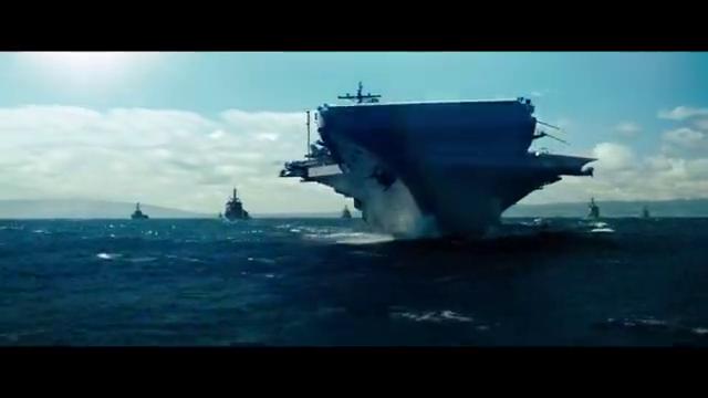 海军大规模军事演习,军事指挥官训话,手下的士兵却在拿川普开玩