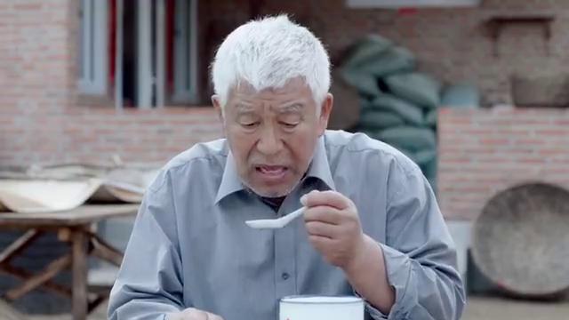 刘家媳妇:张洪杰听说刘银银帮忙卖酒,心里又开始犯嘀咕