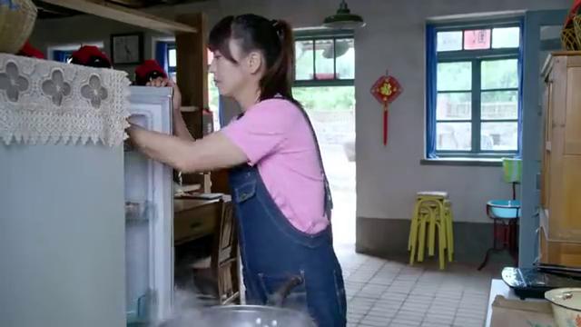 刘家媳妇:闫学晶给张洪杰送鸡蛋面条,遭到姐姐讽刺打击