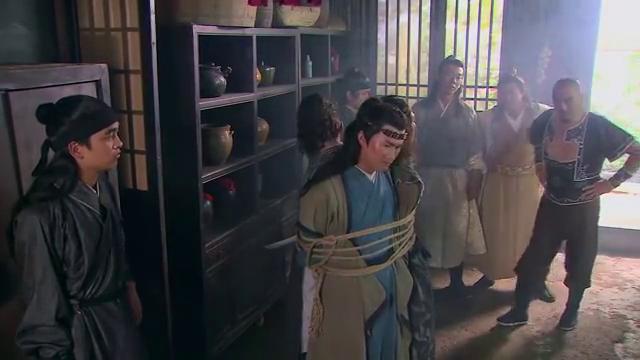 武松:武松见到马匹受惊,直接跳窗拦截,竟与蒋门神默契配合!