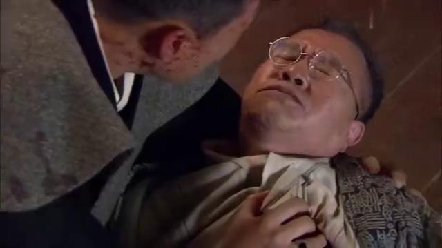小伙岳父被人杀死,反遭日本特务陷害,遭到警察全城追捕