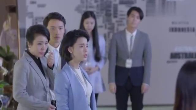 致青春:公司裁员弄得人心惶惶,此时郑微站出来了!