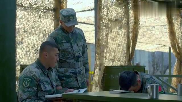 影视:总教员要经常用标记弹,这可愁坏了小伙,太逗了!