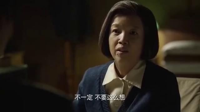 海棠依旧:总理输液当中还在工作,嫌输液麻烦要拔了被叶帅阻止