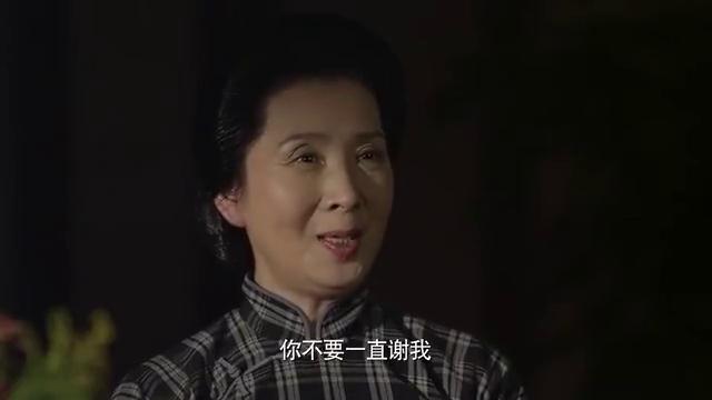 海棠依旧:周总理唱国歌,义勇军进行曲,女儿兴奋地跑过去!