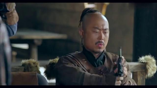 玉海棠:大小姐缴获新式枪械,却不料没人会使用,这也太尴尬了吧