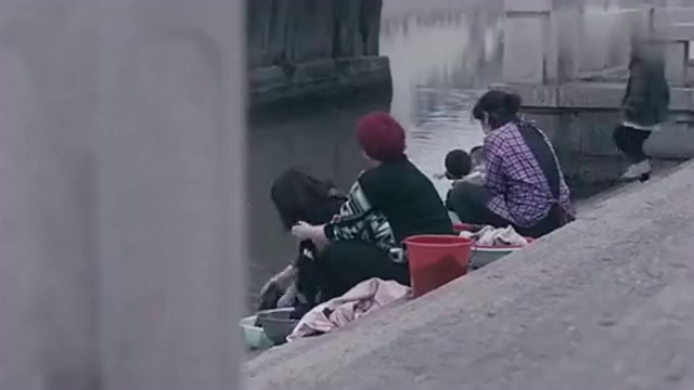河中异物把小孩吓哭,大人看到这个骷髅头惊恐万分