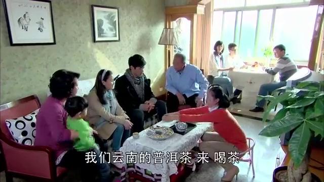 小秋的姨妈本来不待见高以翔,谁料他这一举动,竟深得姨妈欢心