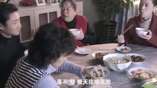 保姆说虾壳里有钙质,丽鹃的做法大快人心,恶婆婆的脸色不好看了