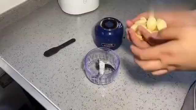 教你在家自制腌萝卜,方法简单一学就会,配稀饭米饭面条都好吃
