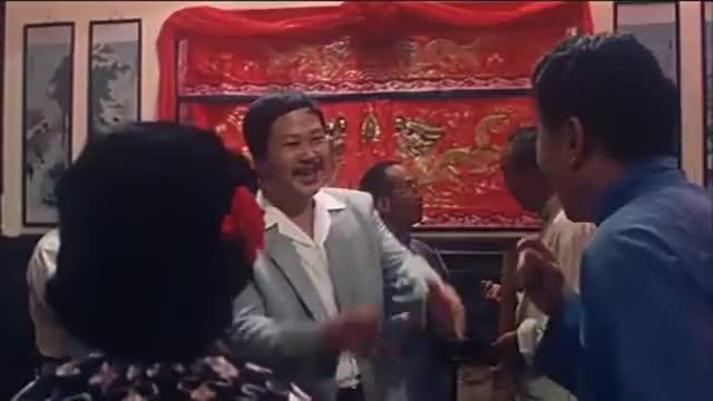 喜剧经典:女子大婚当日,却发现新郎官双脚不着地
