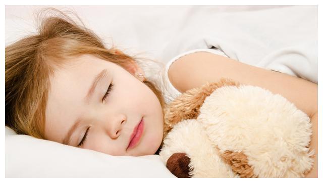 哄宝宝睡觉,这3件事不要做,影响孩子睡眠,还不利于身体发育