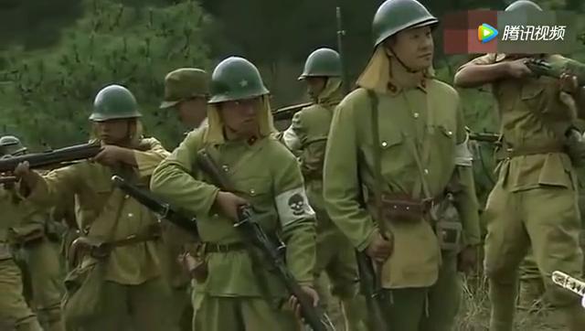 少佐抓住小分队想砍死八路,神枪手神出莫测一枪击毙少佐