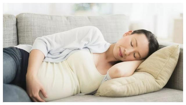 准妈妈长期熬夜后,可能会导致3种结果,为了宝宝健康一定别大意
