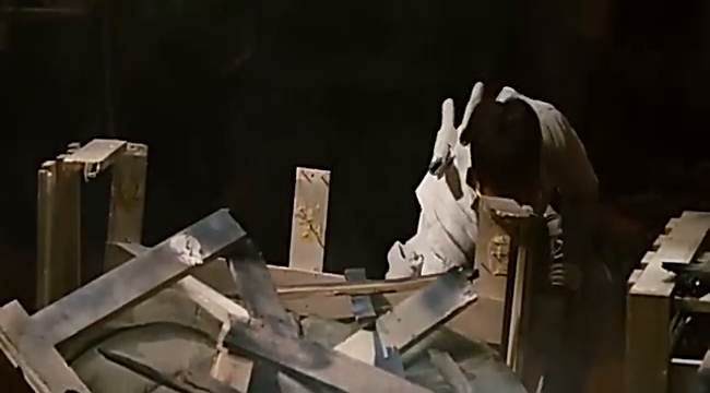 特种部队2:全面反击:飞速而来的子弹被白幽灵一切半