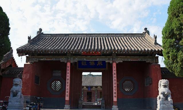 济源奉仙观奇观:两根柱子撑起五间建筑,没有游客少人知