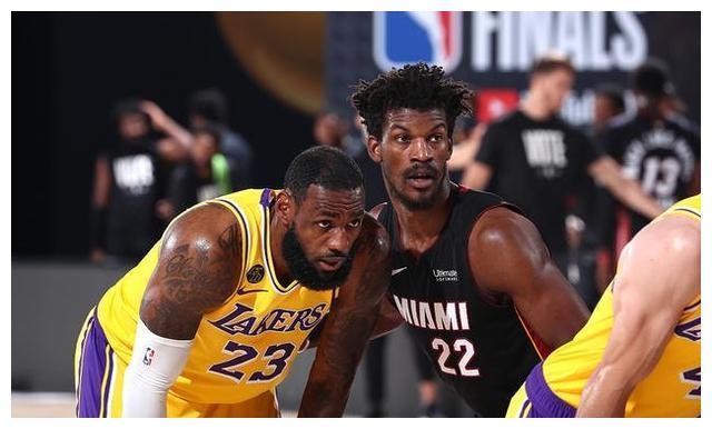 NBA总决赛G4场竞赛落下帷幕!看球的朋友就会发现本场竞赛的比分有多么的焦灼