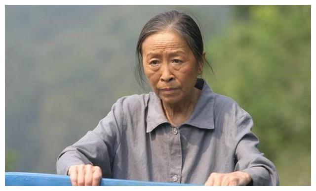 74岁张少华不敢老,拼命拍戏为儿子还房贷,生病后被儿子赶出家门