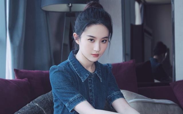 刘亦菲:刘亦菲童年照美翻天,果然女神是从小美到大