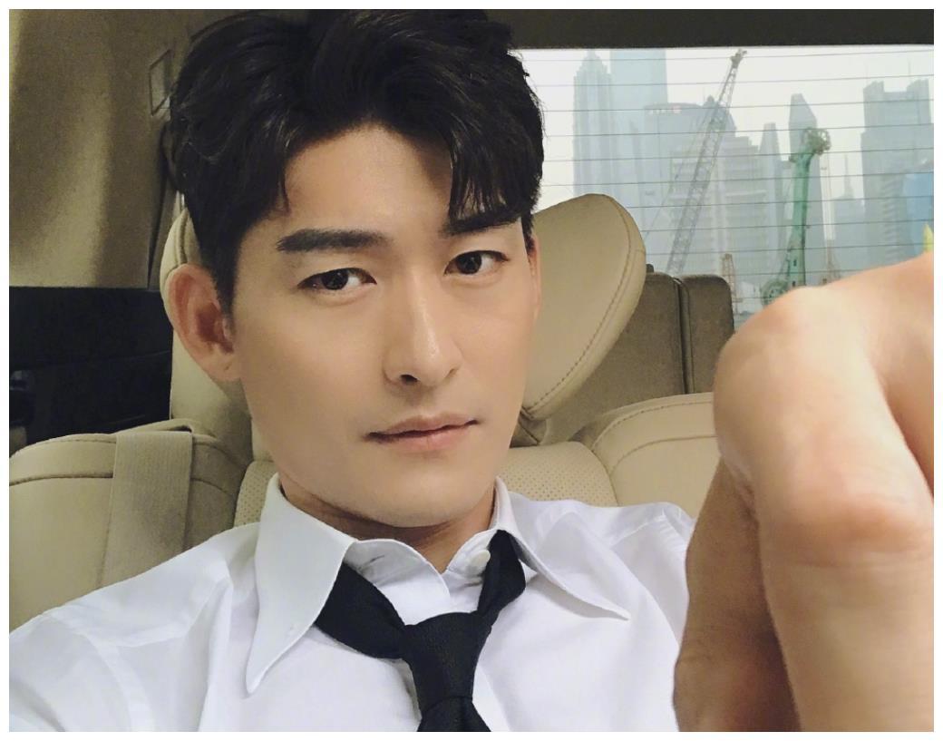 张翰恋爱观察类综艺开播后,郑爽也官宣了,不过粉丝反应大有不同