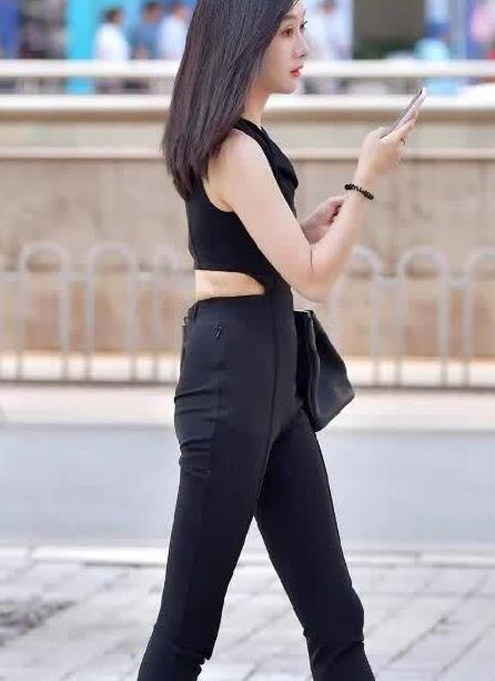 街拍:把裤装搭配出个性感,造型也会变得时尚靓丽起来