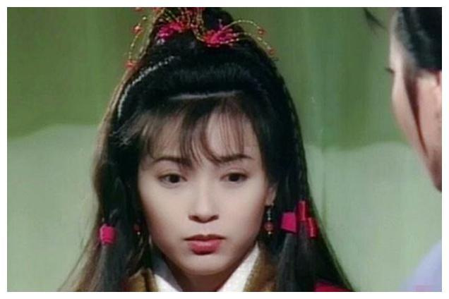 本是香港顶级女明星,却因为私生活问题,沦为大家的笑柄