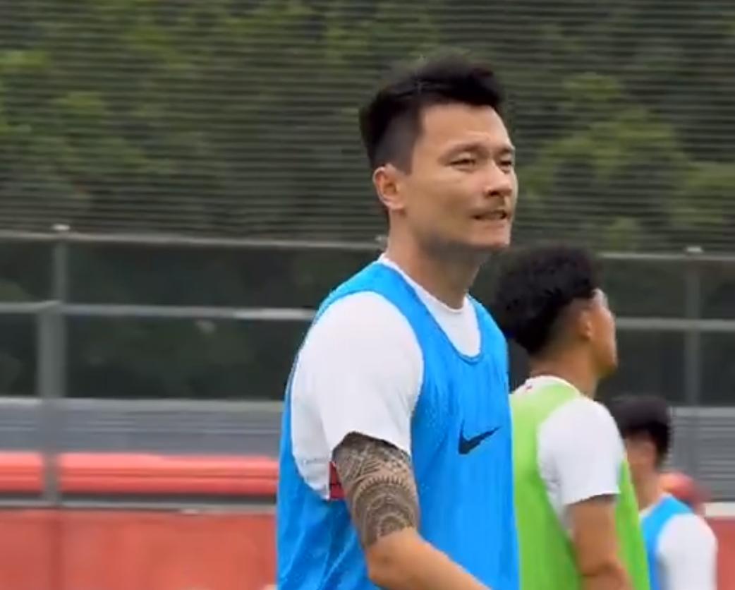 深圳佳兆业俱乐部全体球员目前正在积极训练备战新赛季中甲比赛