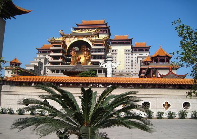 中国单体建筑第一,堪比布达拉宫的壮观,从建造开始就充满色彩