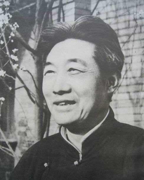 现当代中国画名家:徐悲鸿