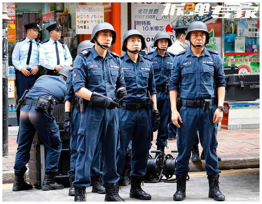 黄百鸣痛诉香港电影院惨状:每个月要亏几百万,座位减半都坐不满
