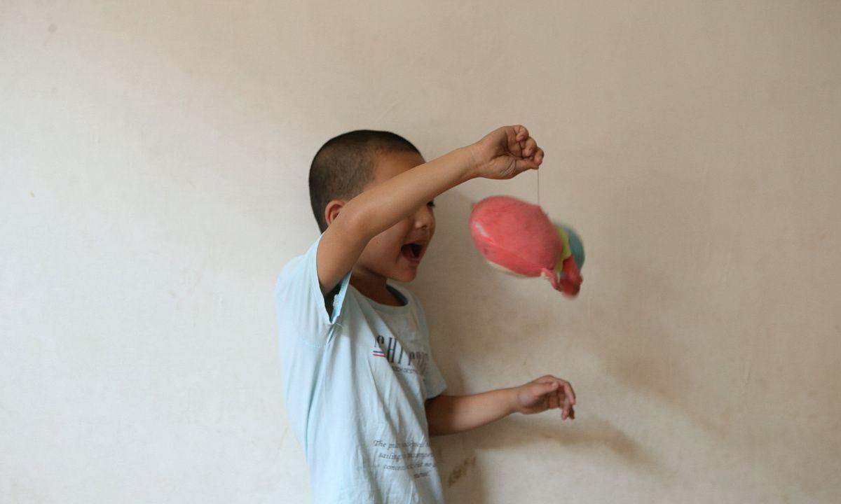 阿斯孩子信息提取和选择能力的特点
