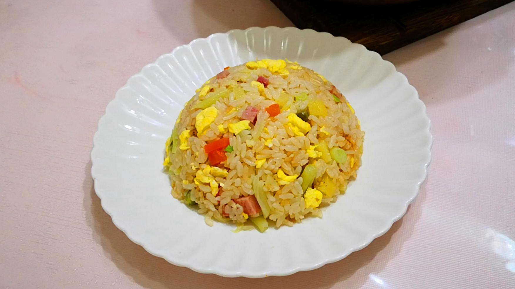 天热最爱吃的米饭,比蛋炒饭香,营养好吃不长肉,关键还特省事!