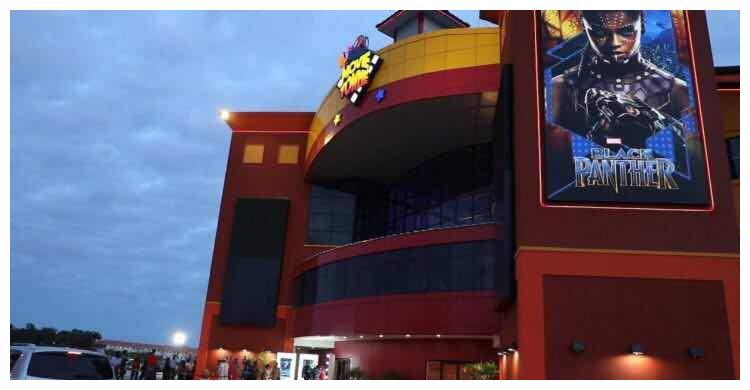 为管控疫情 圭亚那电影院关闭至月底?首个露天汽车影院获准营业