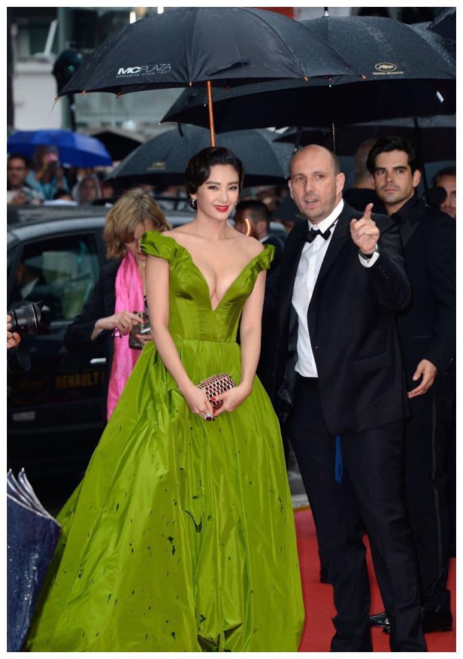 张雨绮五年前走戛纳电影节红毯,复古造型宛如东方公主