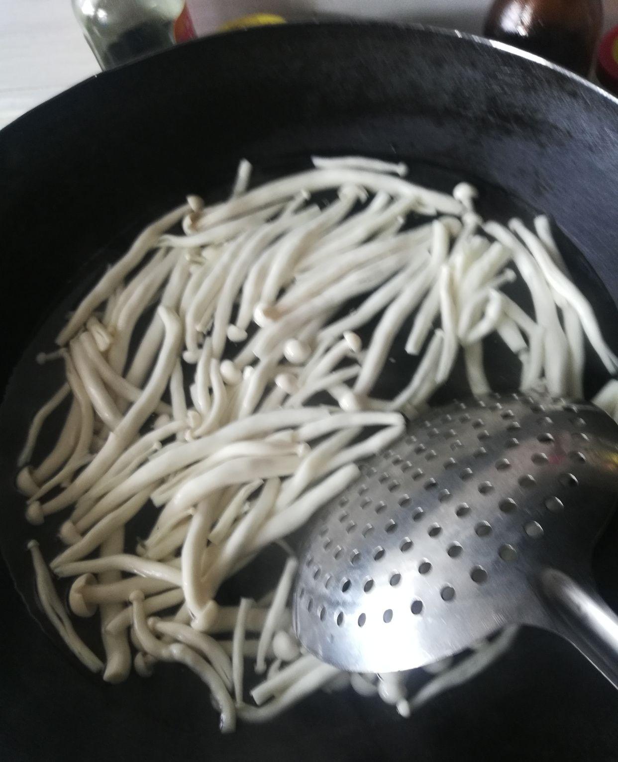 教你一道下饭的家常菜一一海洋菇炒牛肉