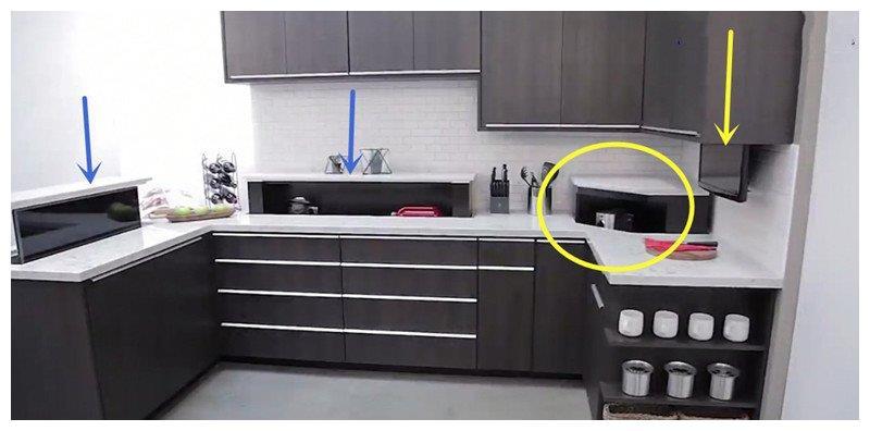 小厨房收纳柜就该藏起来,橱柜台面留槽一按自动升降,隐藏不占地