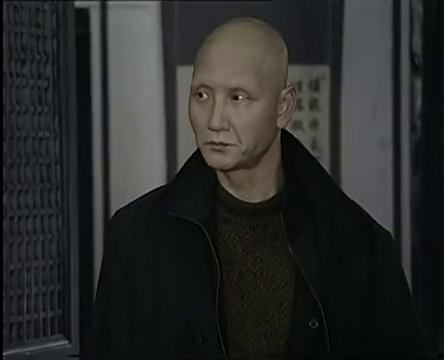 冬至:郁青青说啥都没人信,慌乱打开小门逃跑!