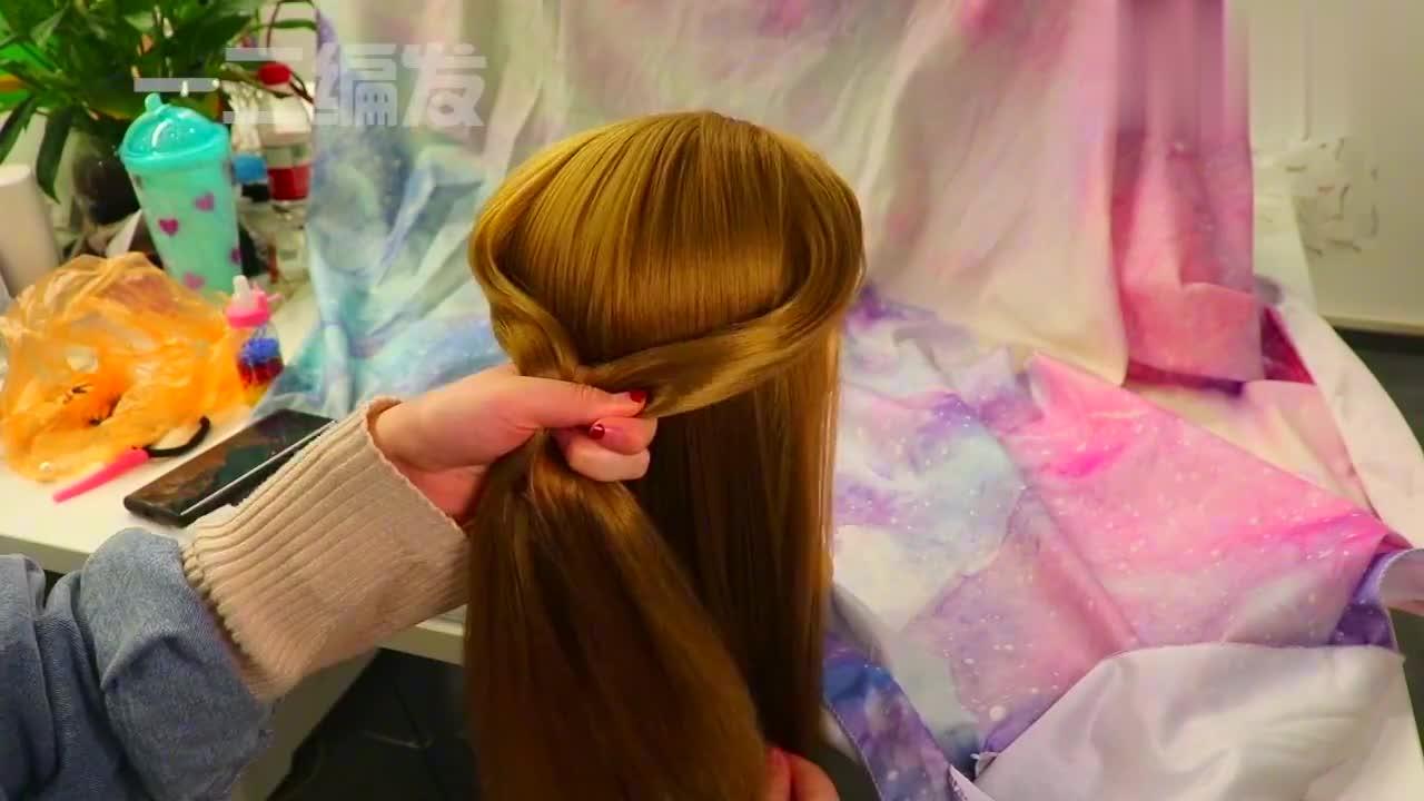 编过很多种爱心发型还是这种扎法最简单好看,快给家里孩子试试