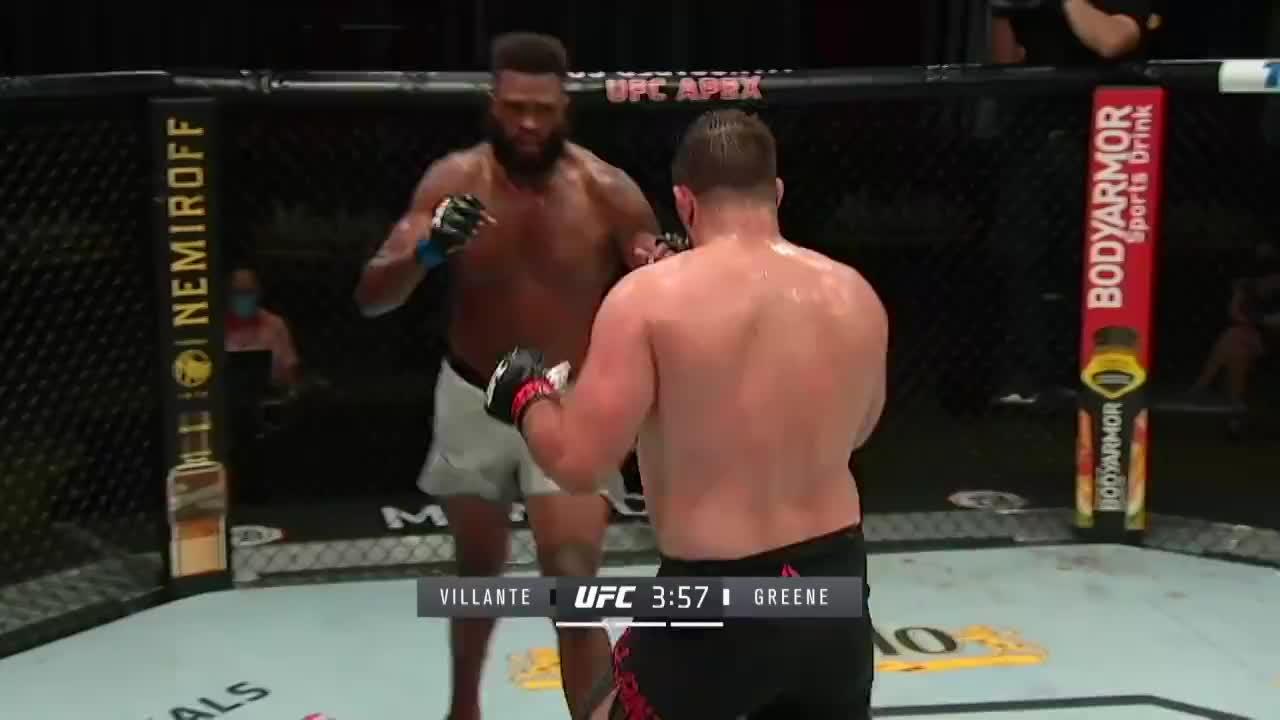 UFC拉斯维加斯4:险象环生!维兰特重击险将格林一波带走