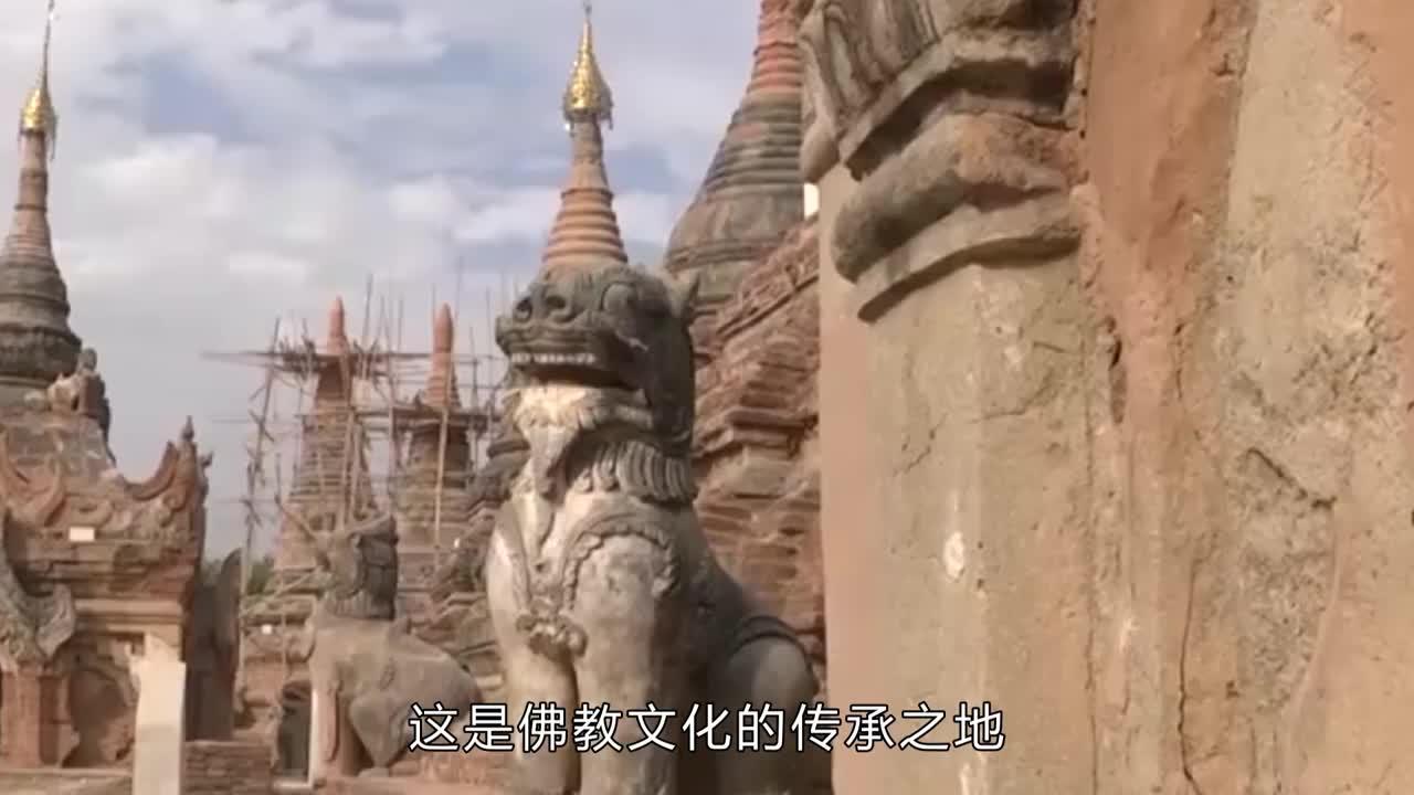 """日本最""""脏""""寺庙,不供佛像却挂满内衣,网友:口味太重!"""