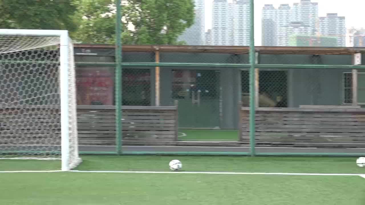 武汉足球名宿闫毅指导,武汉市03-04女足守门员训练