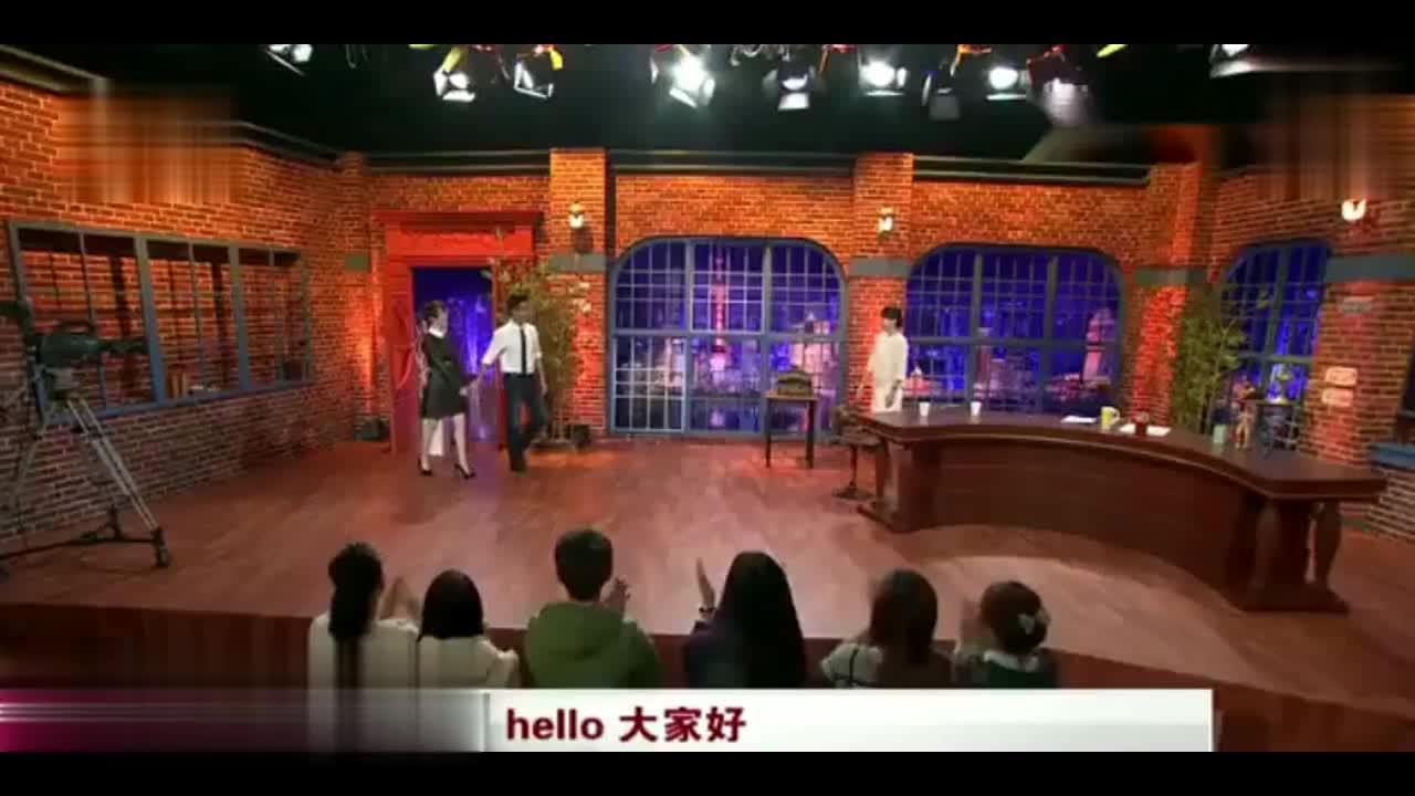 吴京谢楠夫妇上节目,主持人说他们是娱乐界的史密斯夫妇