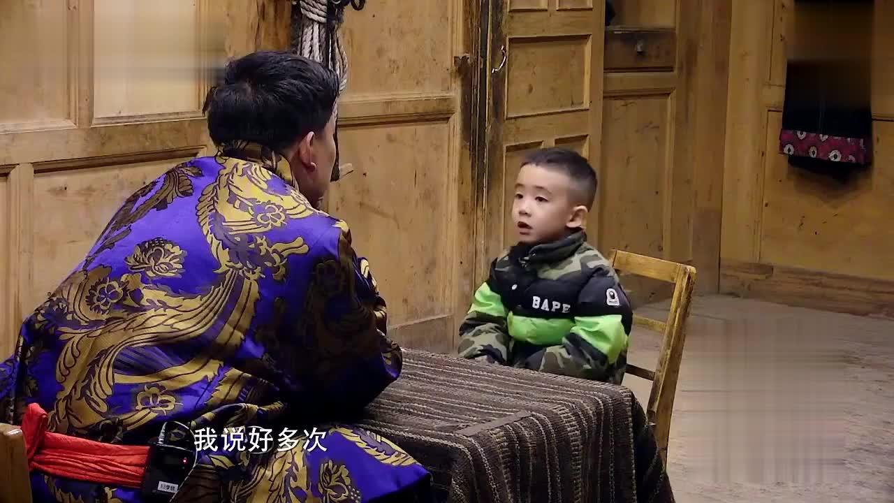 Jasper与村长谈心事 回忆与爸爸间的点滴 感动陈小春