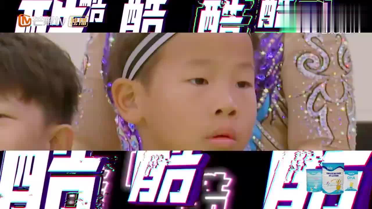 刘翔一亮相自带偶像气场,小胖妞立马起立表白:我可喜欢你了!